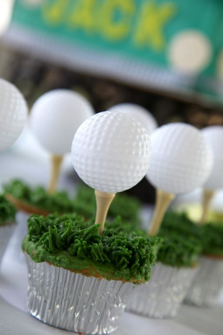 Fore! Loving these golf cupcakes for a birthday party... and beyond!