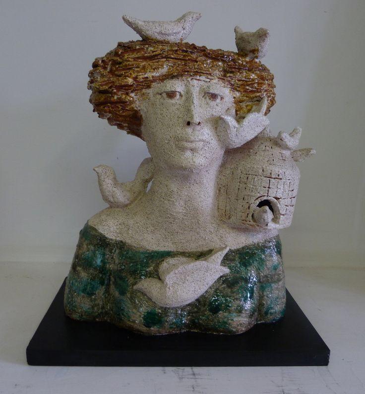 Scultura in ceramica di Speranza Neri #sculture in ceramica #ceramica  #arte #scultura #argilla #arredamento #sculpture #artists #ceramicaartistica