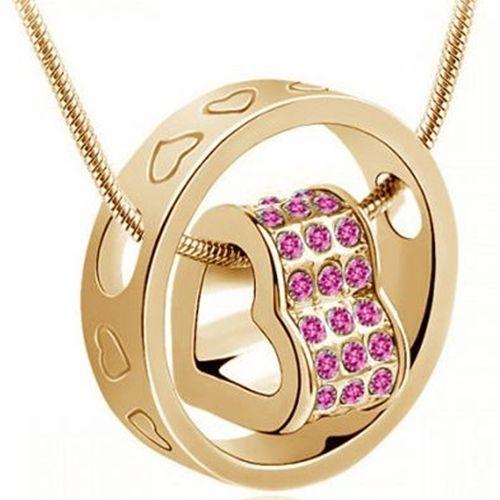Sydän kaulakoru pinkeillä kristalleilla  Korun tilaus- ja hintatiedot löytyvät osoitteesta: http://www.samaskoru.fi/tuote/sydan-kaulakoru-pinkeilla-kristalleilla/  #korut #kaulakoru #jewelry #necklace #fashion  www.samaskoru.fi
