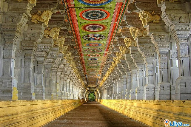 The Longest Corridor in the World. Ramanathaswamy Temple. @ http://ijiya.com/8236842