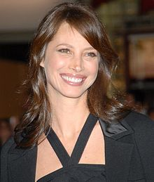 Christy Turlington was born on January 2, 1969 in Walnut Creek, California, born to Dwain Turlington, a pilot for Pan American World Airways, and María Elizabeth, a flight attendant from Cojutepeque, El Salvador.