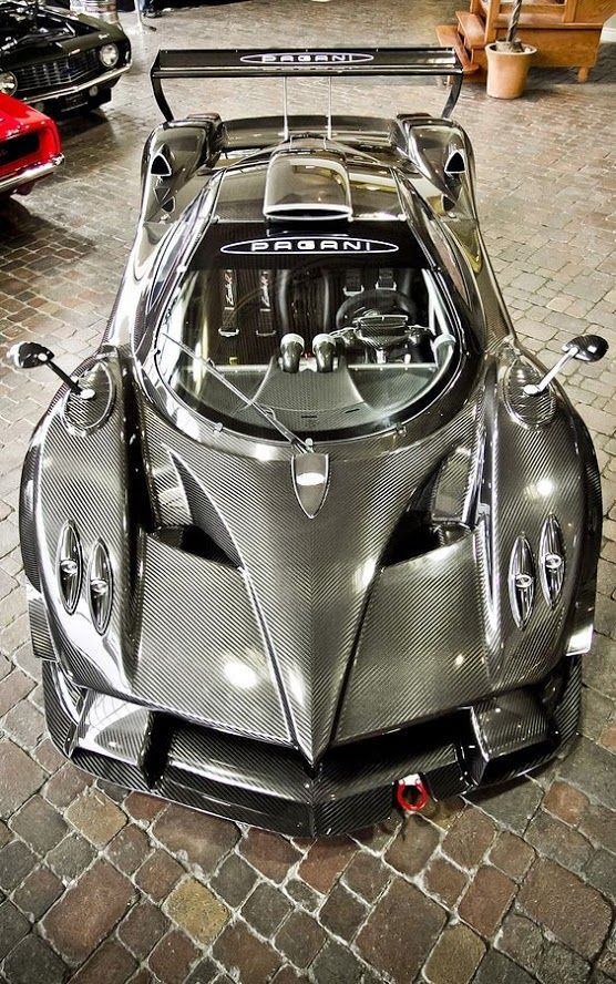Pagani Zonda R (Italy) Body Made out of Matching Carbon Fiber. Manufactured at Modena Design - manufacturer of carbon fiber composites for Formula 1 racing teams, and Mercedes Benz, Ferrari and Aprilia.