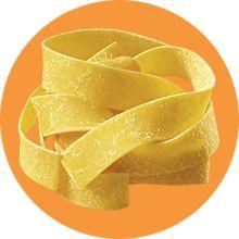 Le pappardelle con la lepre sono un primo piatto caratteristico della tradizione culinaria toscana, realizzate con un delizioso ragù!