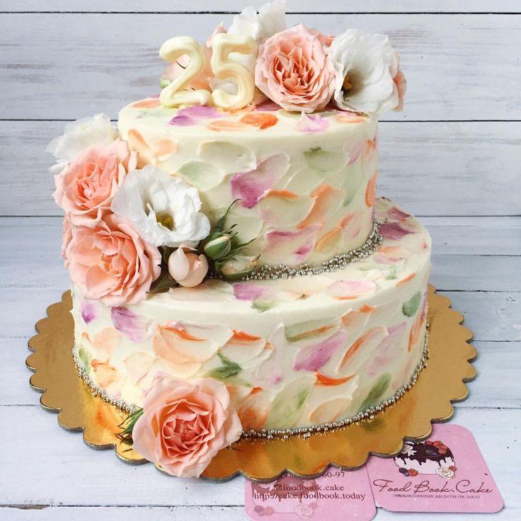 Малыш 4 кг, ванильно-медовый внутри, украсил вчера юбилей одной прекрасной девушки#foodbookcake #foodbookcake_wedding #flora_fbc