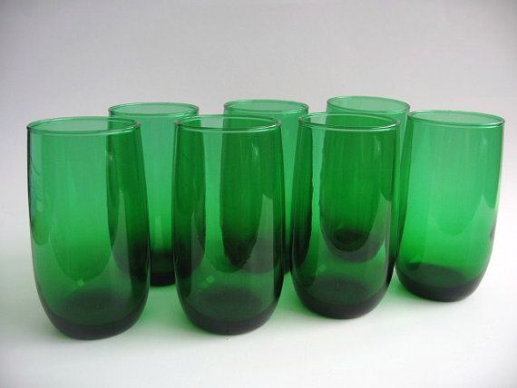 emerald green drinking glasses for table setting | Emerald Green Tumblers made by Anchor Hocking - Set of 7 Mid Century ...