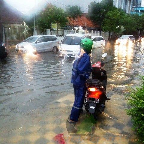 Tips menghadapi musim Banjir,di motor Matic ( Honda Vario 110 Fi )