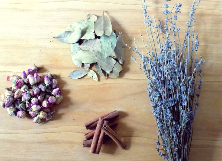 This is just one of the countless recipes of d.i.y. potpourri that anyone can make. The ingredients that I've used are all easy to find. For this potpourri version, I chose: cinnamon sticks lavende...