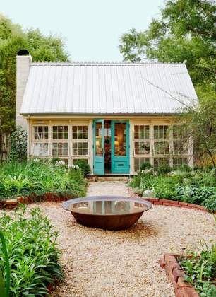 Best 25 granny pod ideas on pinterest guest cottage for Granny pod builders