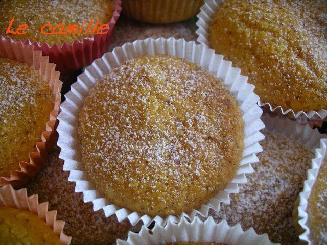 Camille: tortine alla ricotta e mandorle.  http://www.lacucinaleggeramanontroppo.com/2013/09/le-camille-tortine-alle-carote-e.html