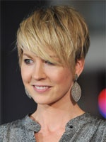 Jenna Elfman short hair with side bangs