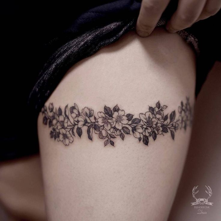 Best 25 leg band tattoos ideas on pinterest band tattoo for Thigh band tattoos for females