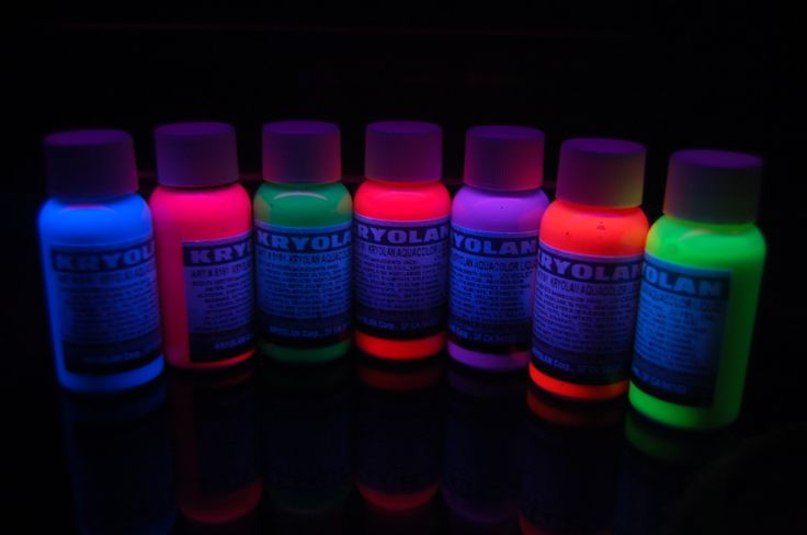 glow in the dark neon hair dye!!!  I wonder.......?