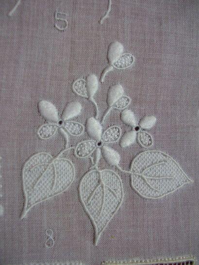 Plaisirs brodés - Les affreux petits… - Coeurs du Queyras - Apprendre (histoire… - Apprendre (suite) - Fonds marins brodés… - Fonds marins brodés - Ambre brode - une petite folie - Roses au naturel et… - Le ciseaux à… - Le blog de Ariane
