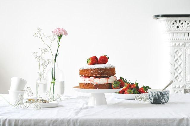 Elodie's Bakery: Strawberry sponge cake | Génoises à la vanille, co...