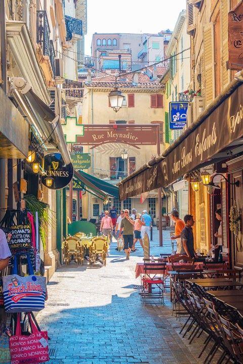 Ruelles de Cannes - ÉTHIC ÉTAPES CANNES JEUNESSE - http://www.ethic-etapes.fr/les-destinations/cannes_cannes_jeunesse.77.1361.html