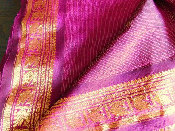 Vintage púrpura y oro SARI indio tejido por BabylonSisters en Etsy