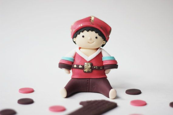 Fondant Korean boy Hanbok cake topper set. Perfect for your traditional Korean boy's first birthday, baby boy shower and special celebration