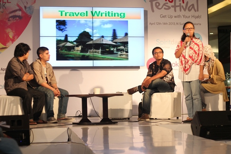 "Workshop Journalistic with Republika : ""Travelling with Heart"" http://tmblr.co/Zds7Xviue_Y0 #HijUpTips #tips #HijUp"