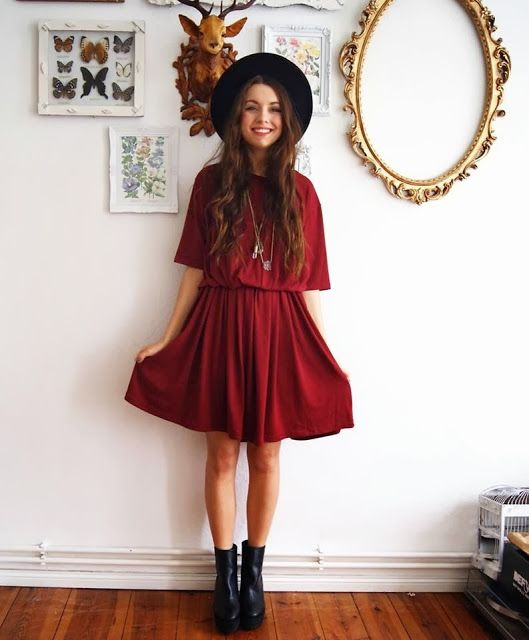 How to Chic: OXBLOOD DRESS