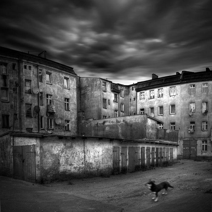 Michal Giedrojc - City series #creativephotography #creative #photo #photography #surreal #fineart #zdjecia #kretywne #fotografia #art #dark #blackandwhite #black  giedrojcmichal.com/