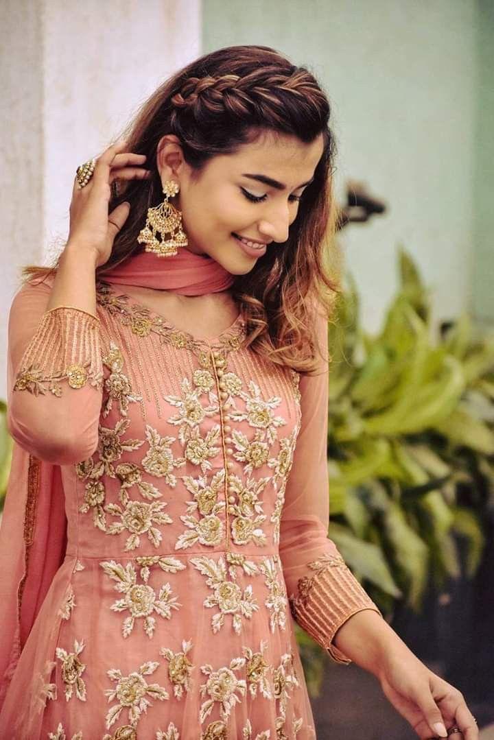 Pin By Haritha Akhi On Kurtis Hairstyle Fashion Sari