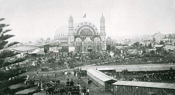 The Garden Palace in 1877.A large purpose built exhibition building constructed to house the Sydney International Exhibition in 1879.It was destroyed by fire in 1882.