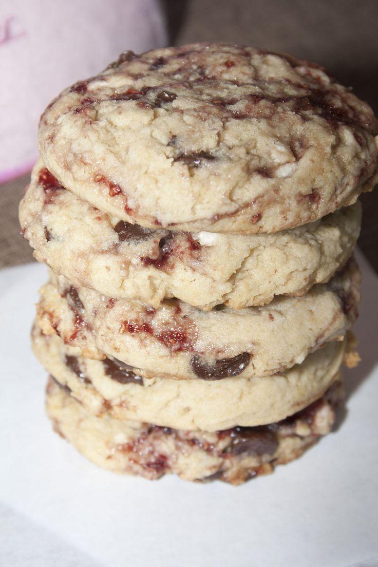 Disneyland's White Chocolate Raspberry Cookie Recipe