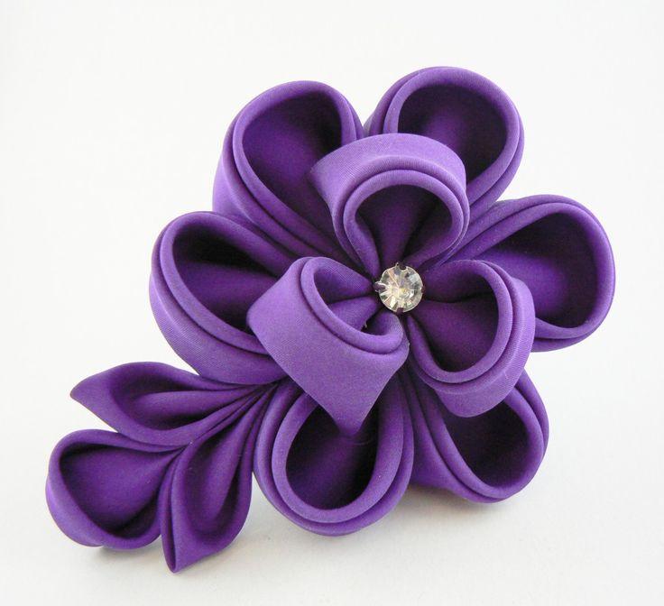 Bujor indigo din mătase, pe clamă de păr - Colecţia kanzashi 2013 - Atelierul Grădina cu fluturi