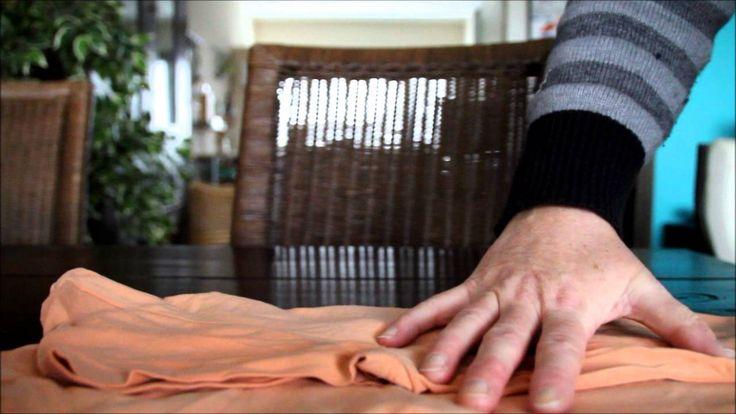 T shirts vouwen op de KonMari manier