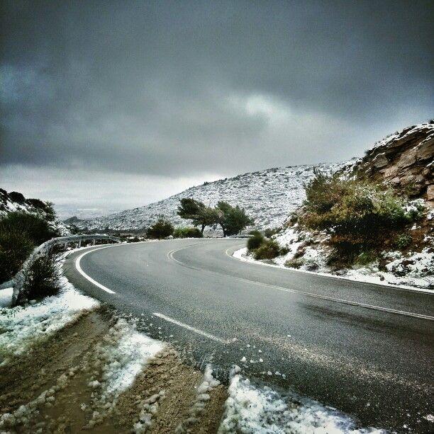 Snowy April. Pendeli.