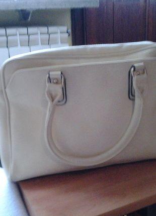 Kup mój przedmiot na #vintedpl http://www.vinted.pl/damskie-torby/torby-na-ramie/10066125-torebka-kremowa