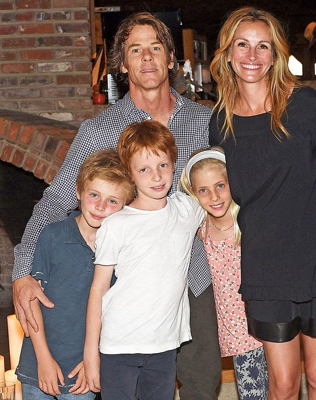 Julia Roberts and Danny Moder have twins too