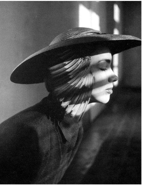 German model Elfi Wildfeuer is wearing a hat by Adele List. Photo by Hubs Flöter, Vienna, 1949-50