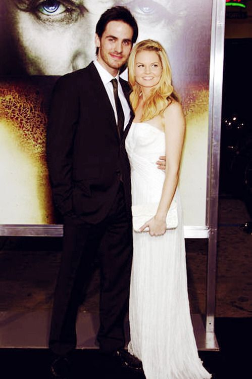 hook & emma i know this is photo shopped but still they look freaking adorable together