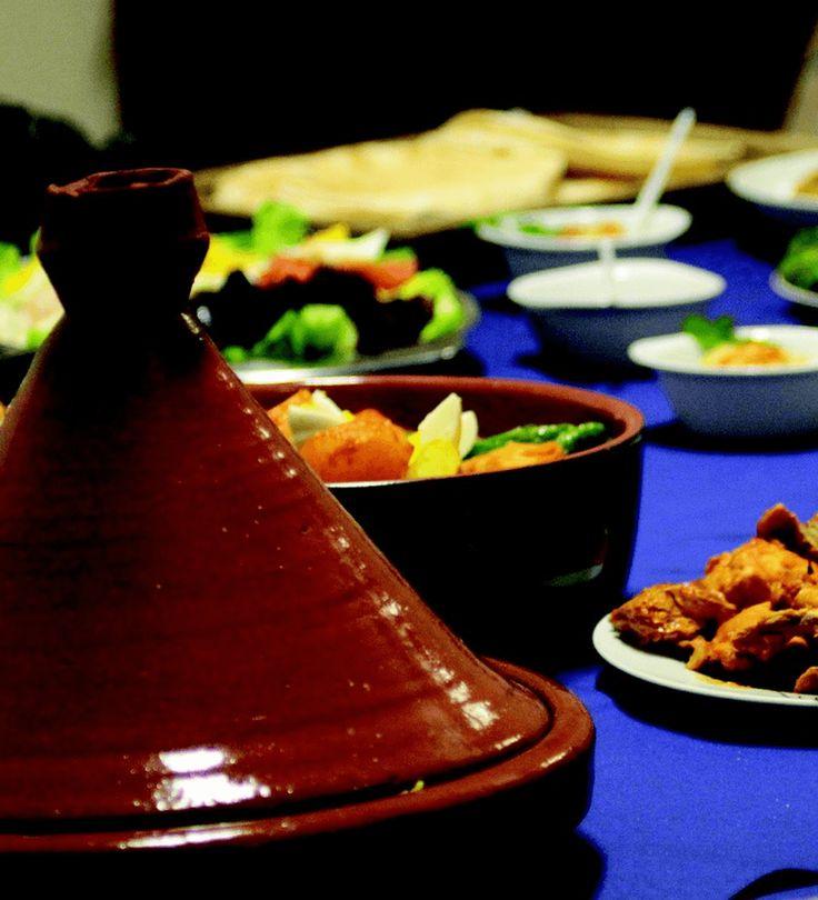 Een lekker recept met de Marokkaanse tajine: vistajine met groenten. Breng op smaak met veel kruiden en je zet een heerlijk gerecht op tafel!