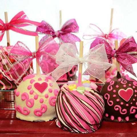Valentine Gourmet Chocolate Caramel Apples by BigBearChocolates
