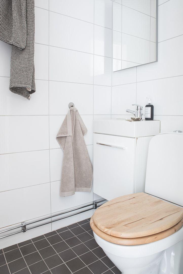 Fräscht helkaklat badrum från 2006