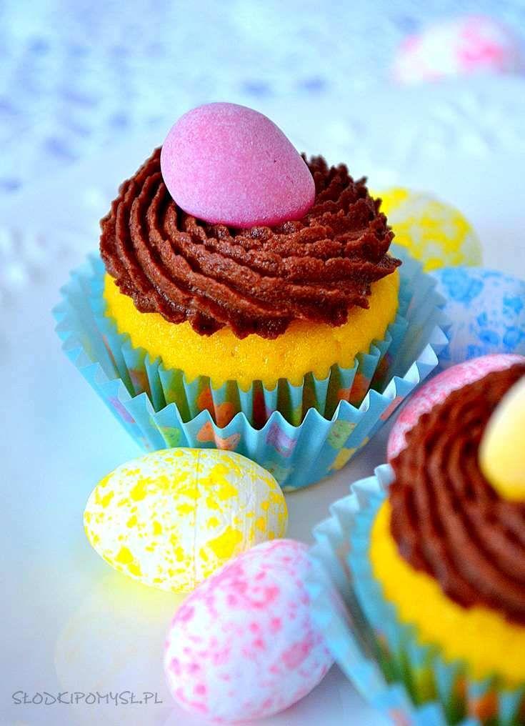 babeczki cytrynowe z kremem na Wielkanoc, cytrynowe babeczki z jajeczkami, babeczki cytrynowe z kremem czekoladowym