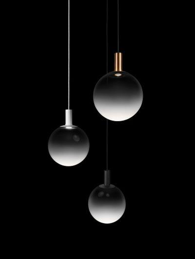 Lampenserie Fog van Front Design Het Zweedse Front Design presenteerde op de Salone del Mobile lampenserie Fog.www.frontdesign.se15x de trap als inspiratie > | ELLE
