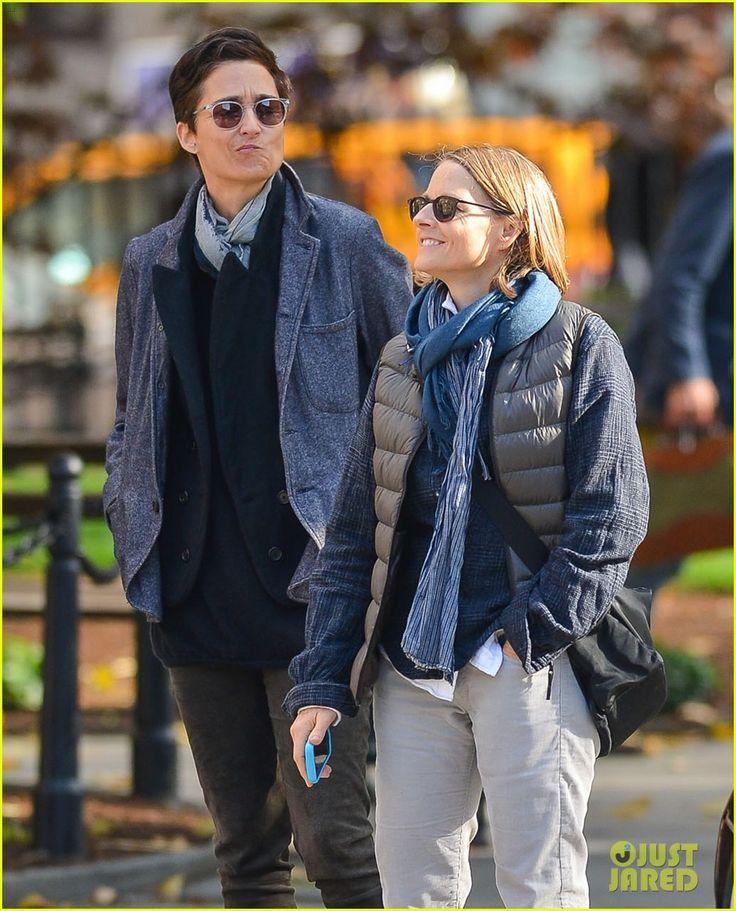 Jodie Foster & Wife Alexandra Hedison Photo