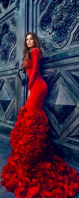 Style Ideas: Gorgeous Red Dress