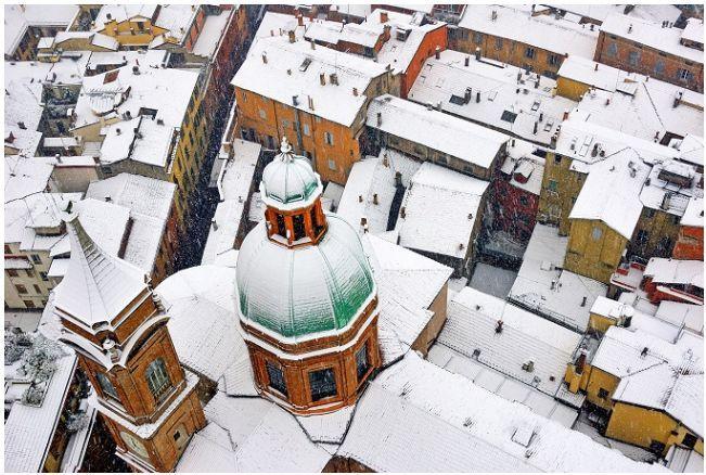 Dalla Torre Asinelli --un giorno d'inverno