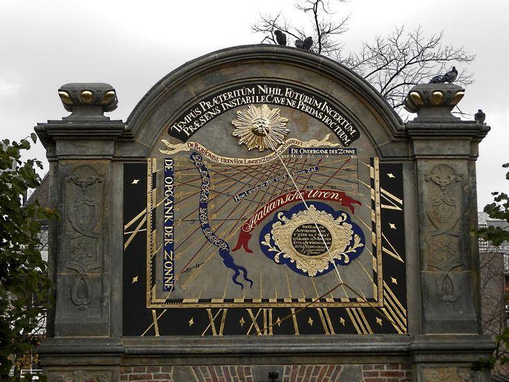 In de stad Groningen is achter de Prinsenhof de Prinsentuin (of Prinsenhoftuin) gelegen. Deze renaissancetuin (1626) bestaat onder andere uit een rozentuin, een kruidentuin en een gedeelte met berceaus.  Met behulp van heggetjes zijn twee letters aangebracht, een W en een A. Dit zijn de beginletters van de stadhouder Willem Frederik en zijn vrouw Albertine Agnes.