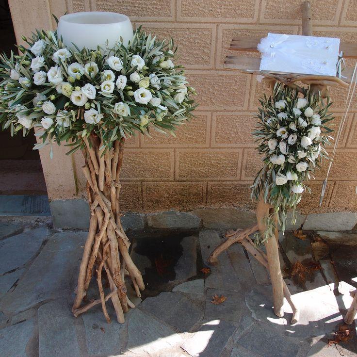 λαμπάδες με λυσίανθο και φύλλωμα ελιάς.Δεξίωση | Στολισμός Γάμου | Στολισμός Εκκλησίας | Διακόσμηση Βάπτισης | Στολισμός Βάπτισης | Γάμος σε Νησί & Παραλία.