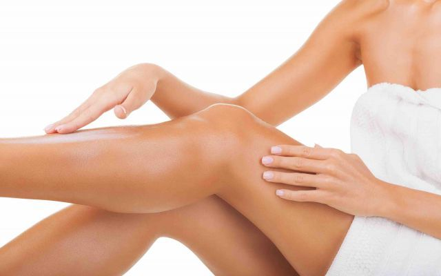 Cosa fare per le gambe gonfie e doloranti? A chi non è mai capitato di avere a fine giornata le gambe stanche e gonfie magari anche doloranti? gambe salute piedi