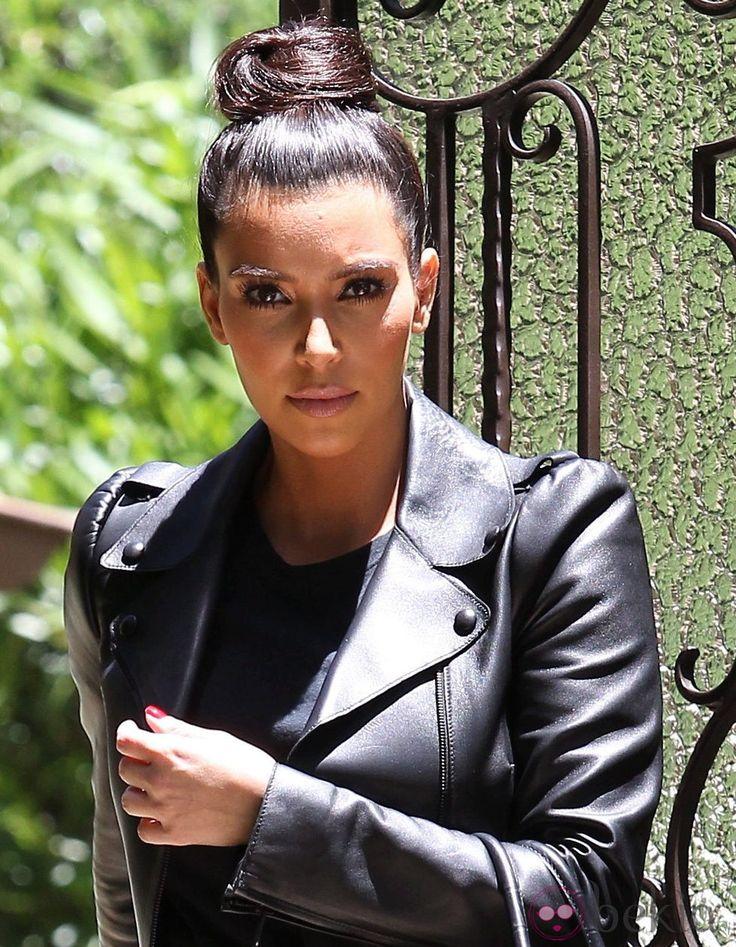 Resultado de imagen de moño alto de kim kardashian