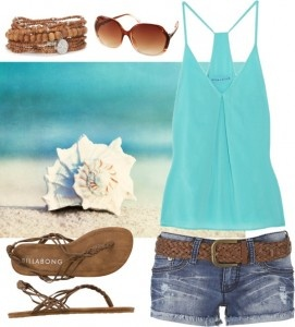 Love the colors. Really cute beach outfit!