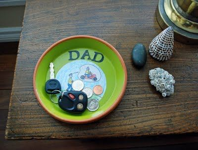 Fathers Day Dad Tray--perfect for the keys and wallet that sit on my counter and drive me crazy!