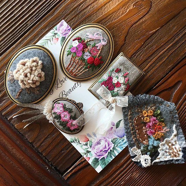 -2017/01/10 필 받은 자수브로치 만들기 1탄~ . . . . . By Alley's home #embroidery#knitting#crochet#crossstitch#handmade#homedecor#needlework#antique#vintage#flower#ribbonembroidery#quilt#프랑스자수#진해프랑스자수#창원프랑스자수#마산프랑스자수#리본자수#꽃자수#자수타그램#실크리본자수#자수브로치#자수수업#앨리의프랑스자수#자수소품#손자수#리본자수수업#꽃다발자수#울브로치#앤틱레이스#울자수