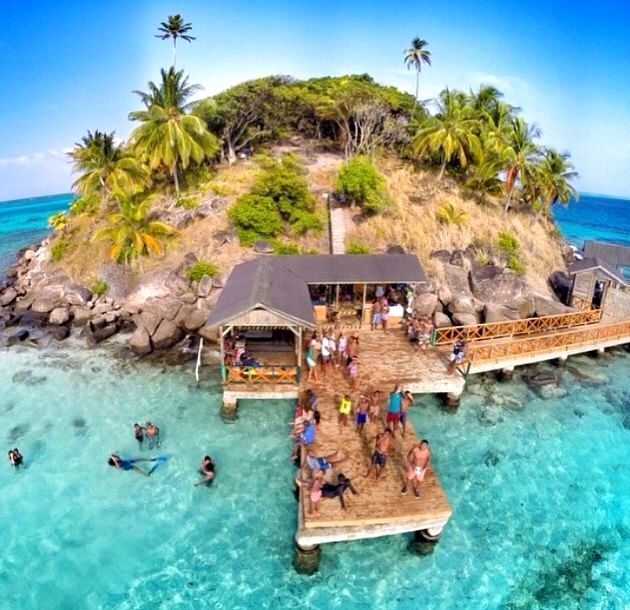 Cayo cangrejo, providencia, Colombia.  Colombia Vacation  Access Our Blog find much more Information   https://storelatina.com/colombia/travelling #places #कोलंबिया #Կոլումբիա #Kolumbia